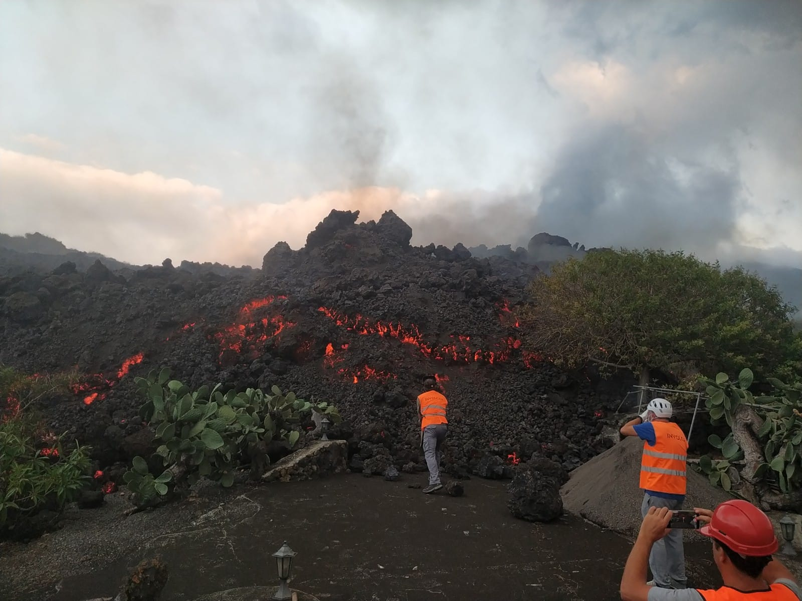 Canary Island Volcano Continues To Erupt After Two Weeks