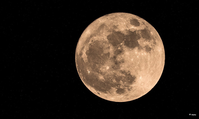 """April's Super """"Pink"""" Moon Will Be This Year's Biggest And Brightest Full Moon!"""